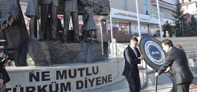 Öğretmenler Günü Misak-ı Milli Demokrasi Meydanında Çeşitli Etkinliklerle Kutlandı