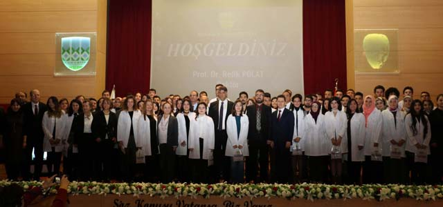 KBÜ'de 64 Tıp Öğrencisi Beyaz Önlüğü Giydi