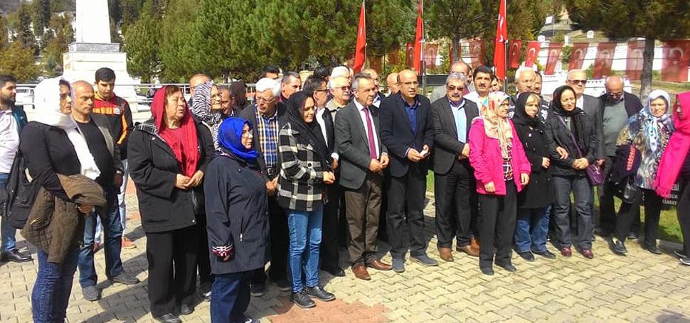 5000 EVLER ŞEHİTLİĞİNDE CHP'LİLER KUR'AN OKUTTU