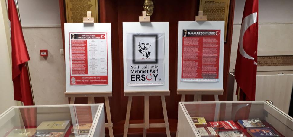 Zübeyde Hanım Kütüphanesinde Mehmet Akif kitap sergisi başladı