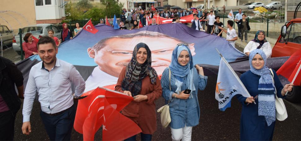 AK Parti, AK Yürüyüşlerin Startını Verdi