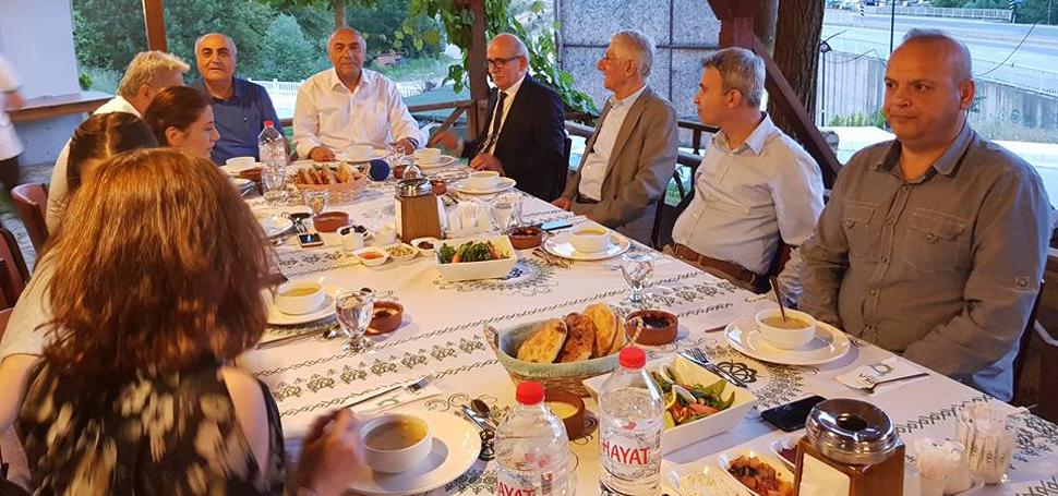 BRTV Ailesi ve misafirlerine iftar programı düzenlendi