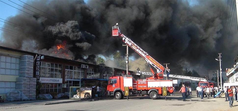 Bağ Essan Sanayi Sitesinde Yangın