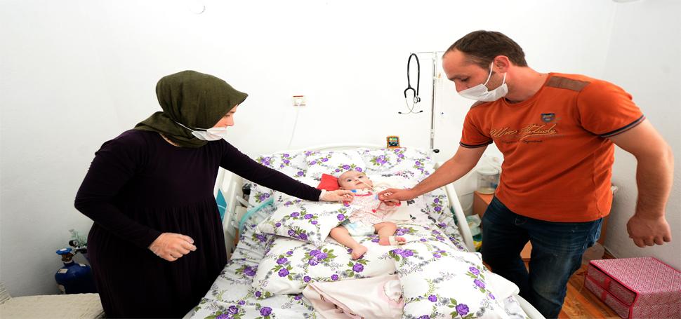 SMA hastası Hafsa bebek yaşama tutunmaya çalışıyor