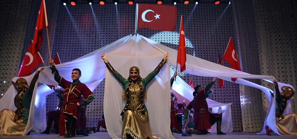 """Karabük'te """"Bizim Renklerimiz"""" dans gösterisi"""