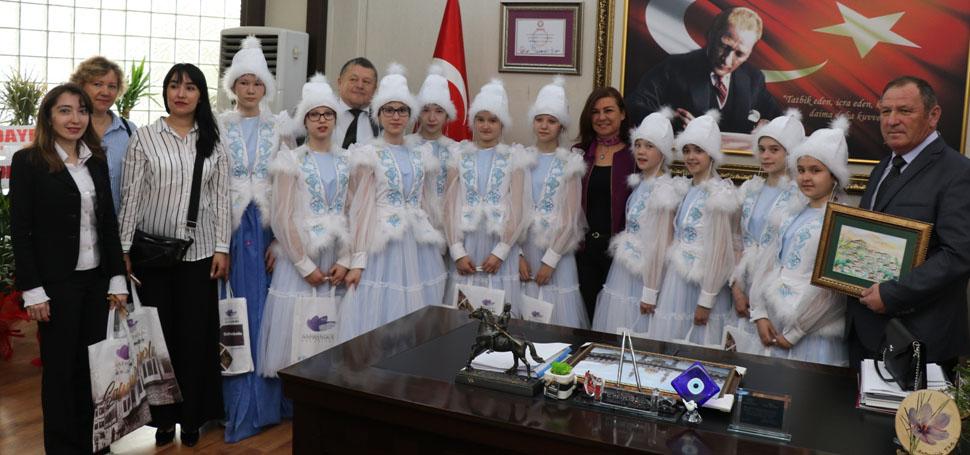 Tataristan Ekibi Başkan Köse'yi Ziyaret Etti