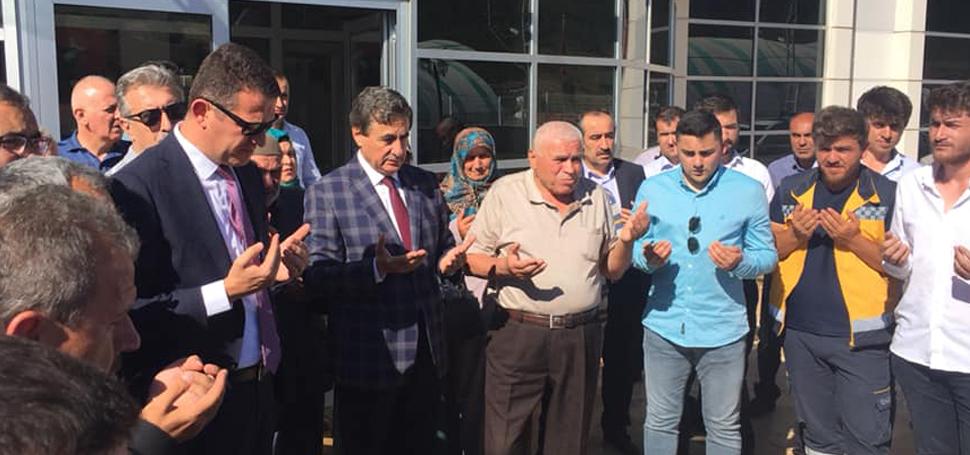 AK Parti Teşkilatı İlçelerde vatandaşlar ile bayramlaştı
