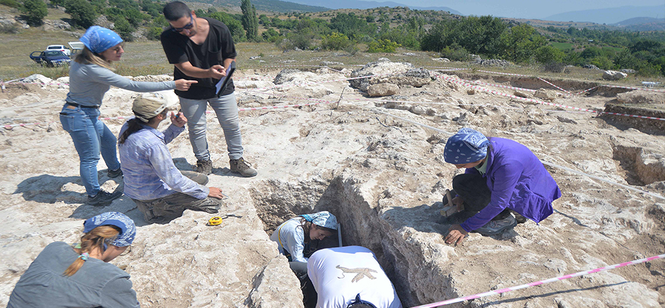Hadrianaupolis'te 2. yüzyıla ait mezar bulundu