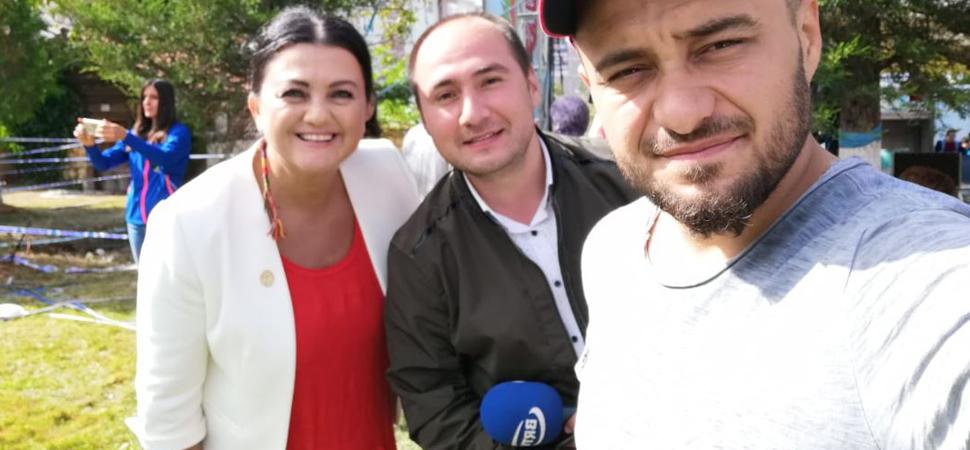 ÜNLÜ YEMEK PROGRAMCISI ELİF KORKMAZEL KASTROFEST'İN SUNUCULUĞUNU YAPTI