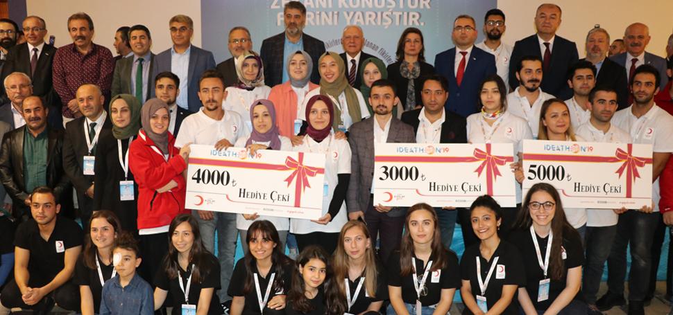 """""""Genç Kızılay Ideathon19"""" yarışması ödül töreni ile sona erdi"""