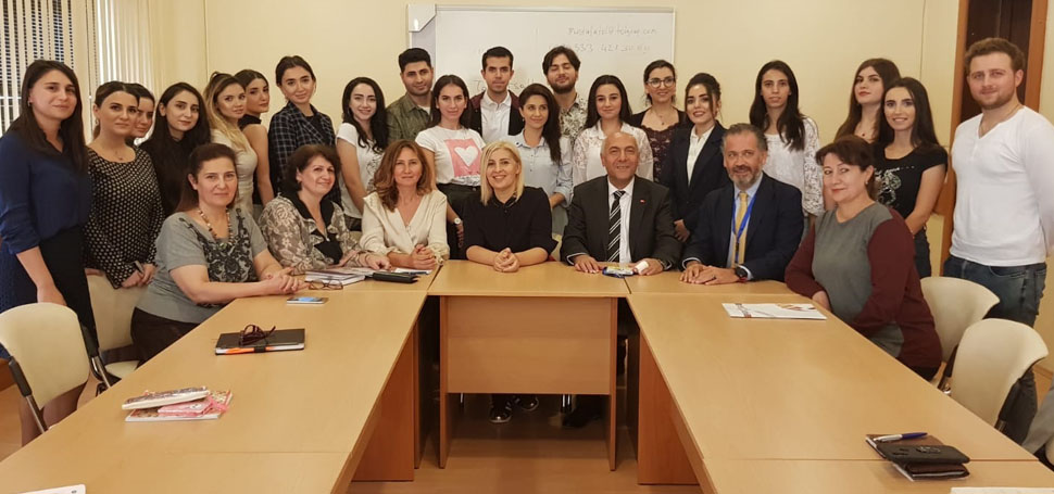 Çetinkaya Azerbaycan Devlet Kanalı Akademisi'nde
