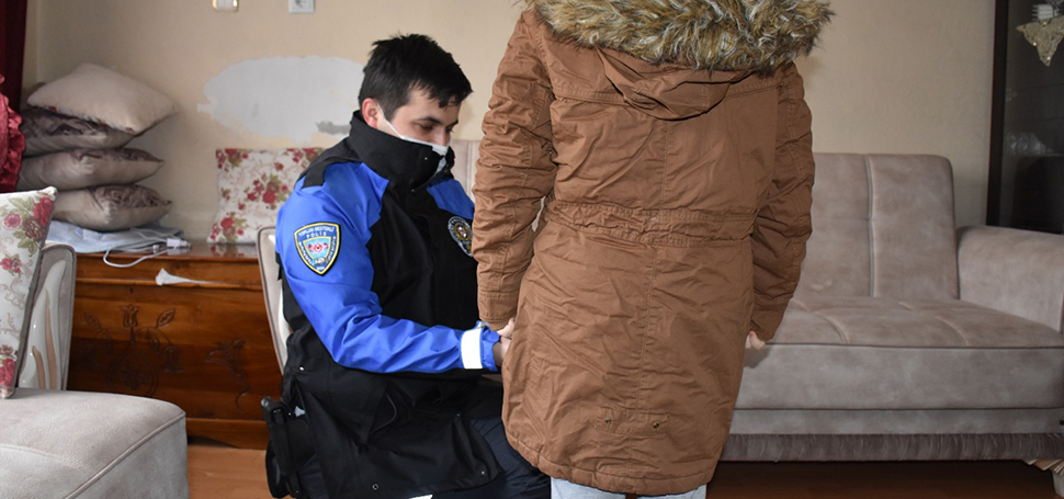 """Karabük polisinden """"Kışı Birlikte Geçirelim"""" Projesi"""